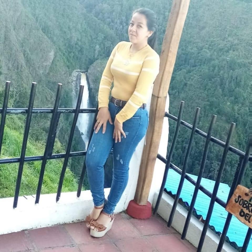 Dimary Estefany Flores Lopez